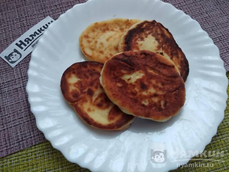 Домашние творожные сырники на сковороде