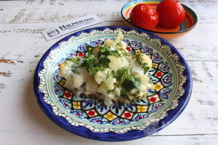 Омлет с цветной капустой и бородинским хлебом в духовке