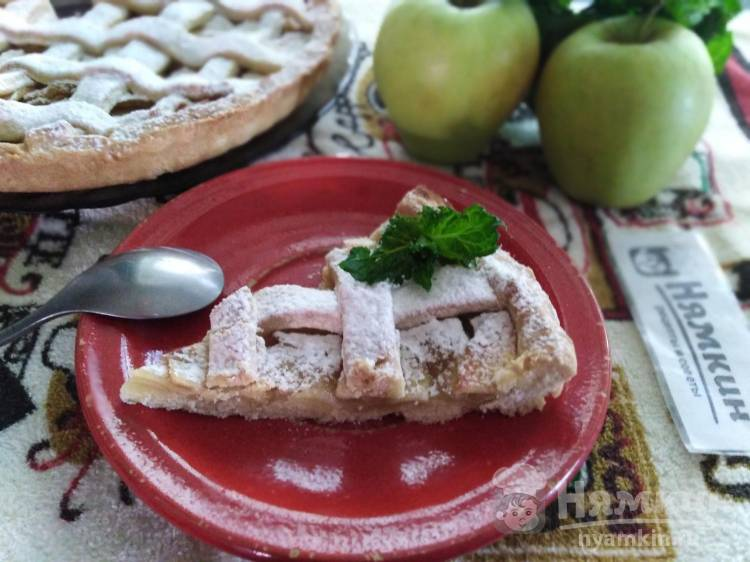Итальянская кростата с яблоками