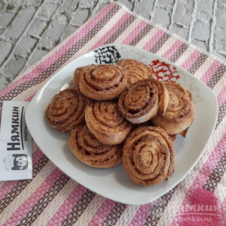 Творожное печенье-рулетики с сахаром и корицей