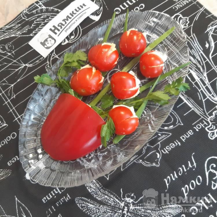 Праздничный салат-закуска Ваза с тюльпанами