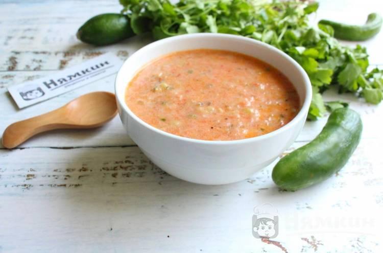 Вегетарианский горячий огуречный суп-пюре