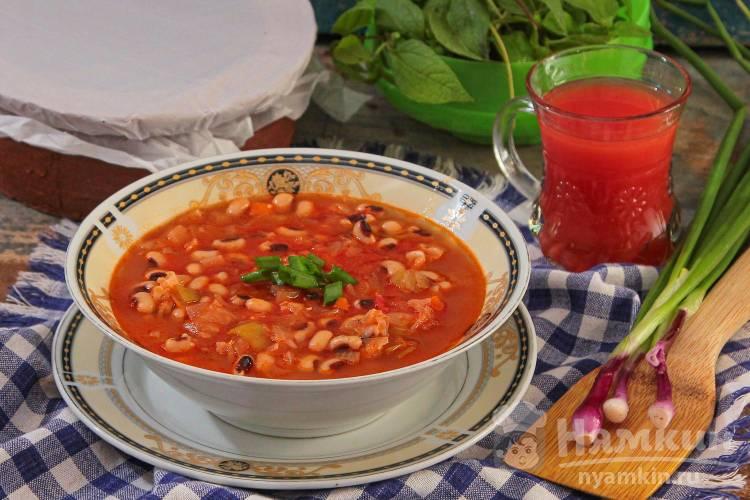 Фасолада – постный греческий суп с фасолью и томатами