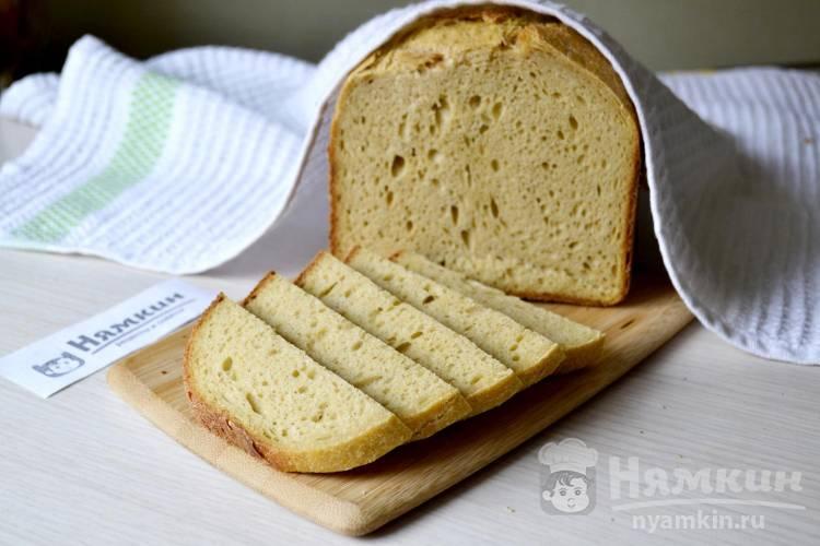 Хлеб из пшеничной и кукурузной муки и тыквенного пюре на ржаной закваске в хлебопечке