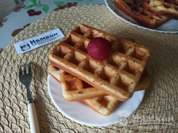 Хрустящие бельгийские вафли без молока в электрогриле