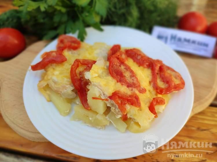 Мясо по-французски с курицей, картошкой и помидорами