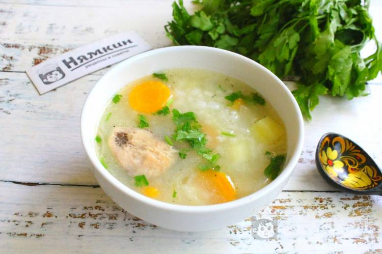 Суп из рыбных консервов с картошкой и рисом на скорую руку