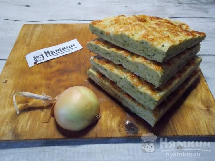Кабачково-луковая лепешка с сыром в духовке