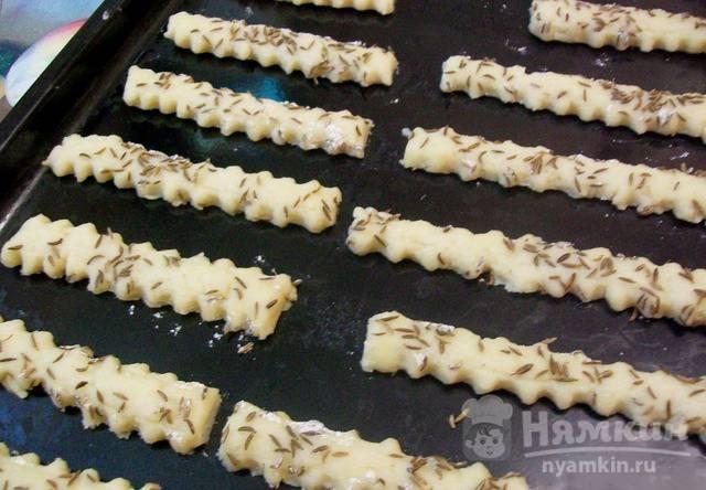 Соленое печенье с тмином - фото шаг 3