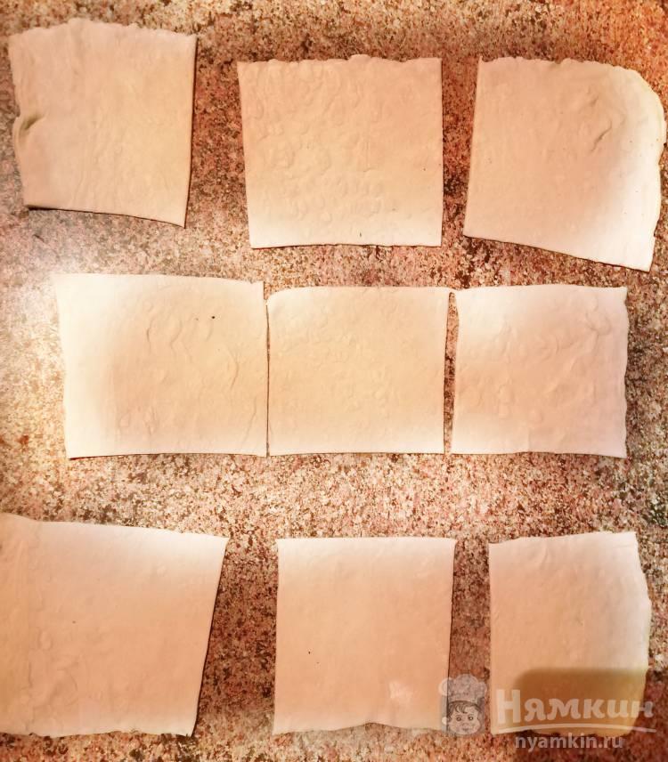 Слойки с сыром и чесноком - фото шаг 3