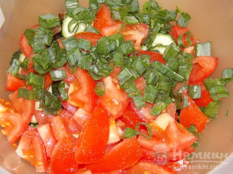 Овощной салат с зеленью и соевым соусом - фото шаг 4
