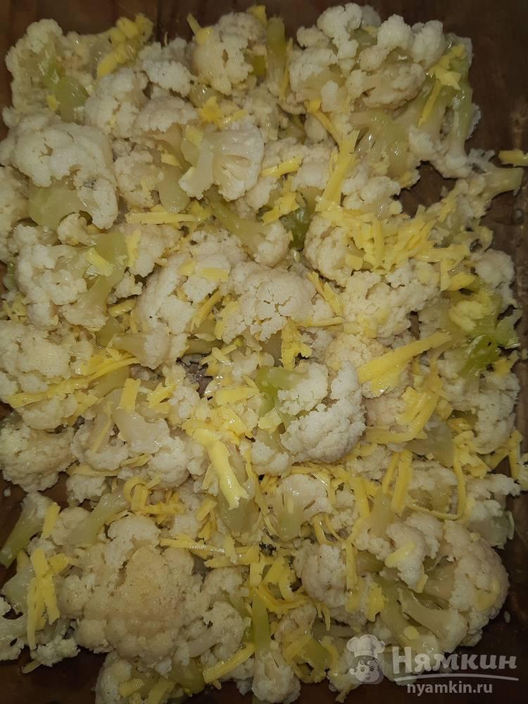 Цветная капуста с чесноком, сыром и зеленью в духовке - фото шаг 4