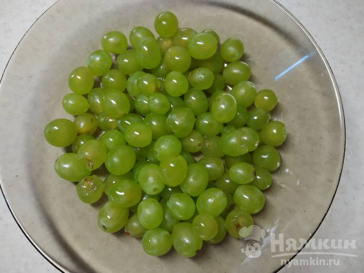 Вкусный компот из белого винограда - фото шаг 2